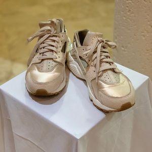 Nike Huaraches size 7.5